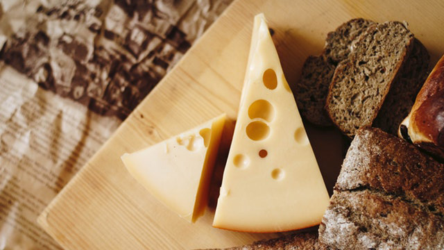 Relation Between Cheese And Gout (You Will Be Surprised!)
