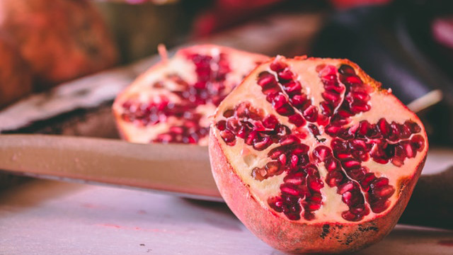 Gout And Pomegranate (All You Have To Know)