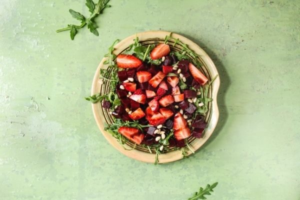 beetroot and strawberries salad