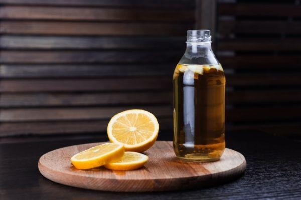 kombucha and lemon