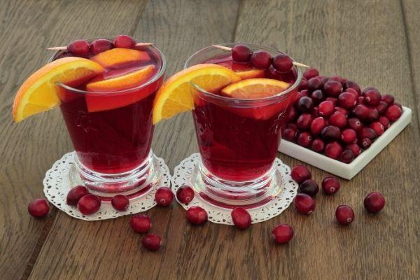 cranberry juice with oranges